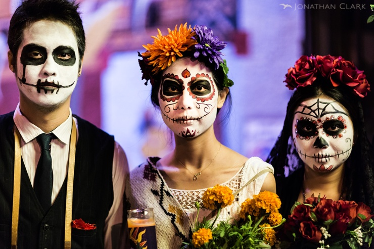 dia-de-los-muertos-day-of-the-dead-san-francisco-face-paint-skull-photo-jonathan-clark-asian-faces